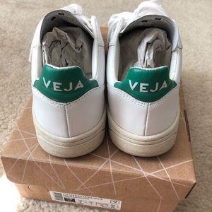 VEJA V-10 leather sneakers EU37